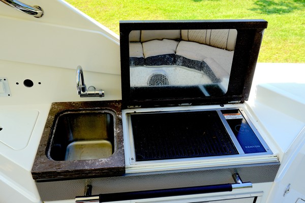 2017 35 Sea Ray 350 SLX The Angelique Aft Grill