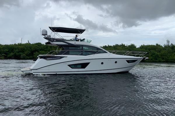 Picture Of a 2021 Beneteau 50 GT 50 Sportfly Cruisers