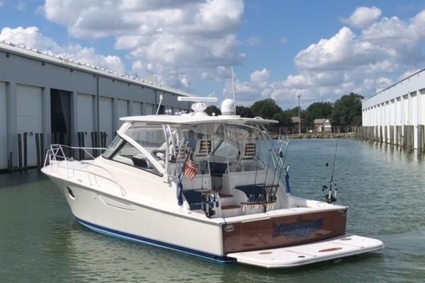 Viking 42 Open - Fuzzy III - Port Stern side Profile