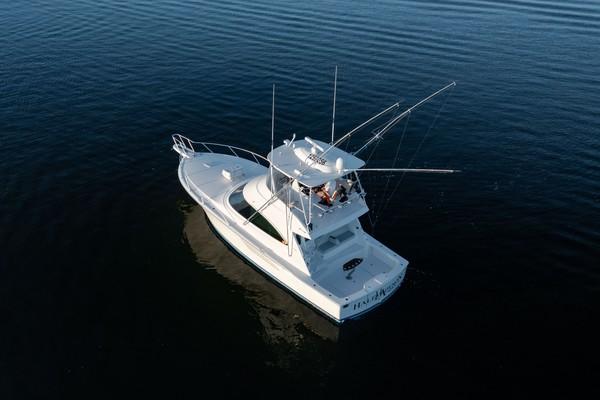 2019 Viking 44 Convertible  Transom