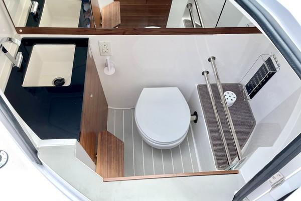 Console/Bathroom