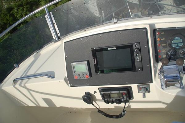 Chartplotter, Autopilot-VHF-Bow Thruster
