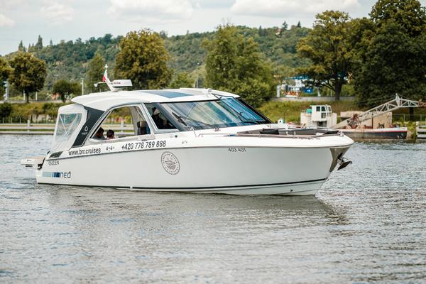 33-ft-Greenline-2019-Neo 33-Bohemian Queen Prague  Czech Republic  yacht for sale