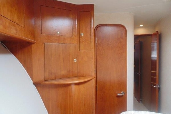 Ritchie Howell 65 LOW PROFILE - VIP Stateroom