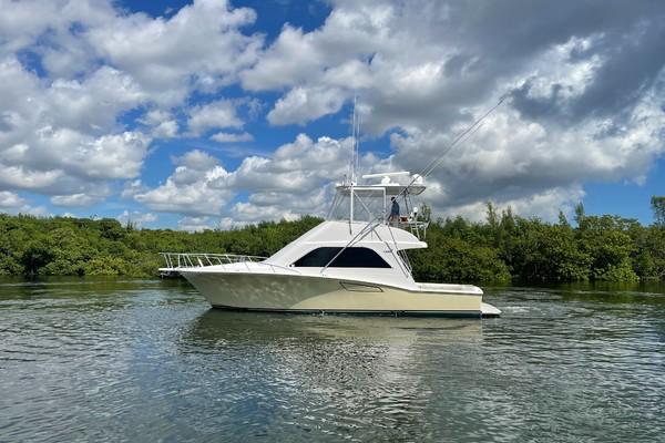 40-ft-Cabo-2007-40 Flybridge-Manana Fort Lauderdale Florida United States  yacht for sale