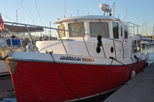 Picture Of a 2001 American Tug 34 34 Trawlers