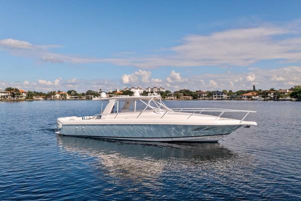 39-ft-Intrepid-2010-39 Sport Yacht-Cloud Break Saint Petersburg Florida United States  yacht for sale