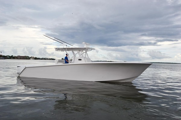 35-ft-SeaHunter-2018-35 cc-Comin in Reel How Dunedin Florida United States  yacht for sale