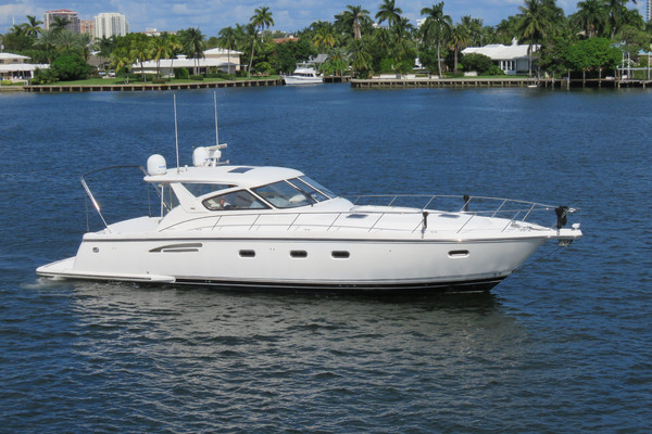 52-ft-Tiara Yachts-2000-5200 Express - 3 Stateroom-ARIA JAYE Fort Lauderdale Florida United States  yacht for sale