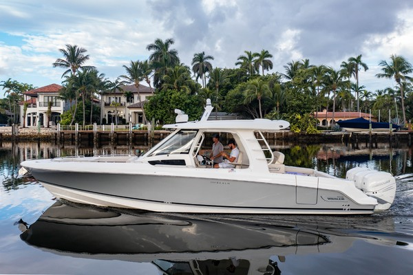 35-ft-Boston Whaler-2019-Realm- Delray Beach Florida United States  yacht for sale