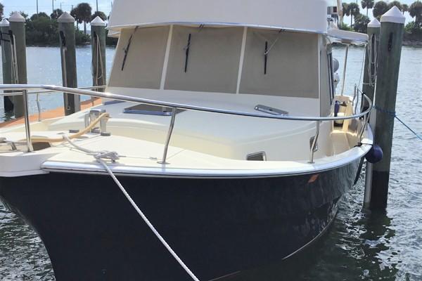 40-ft-Mainship-2004-400 Trawler- 1440  Madeira Beach Florida United States  yacht for sale