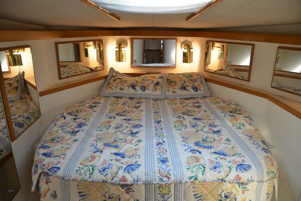 Picture Of: 50' Bertram 50 Convertible 1990 Yacht For Sale | 4 of 15