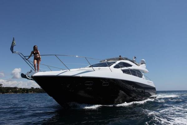 Picture Of: 63' Sunseeker Manhattan 2011 Yacht For Sale | 3 of 9
