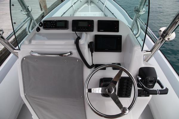 Protector 30' 30 Center Console 2015