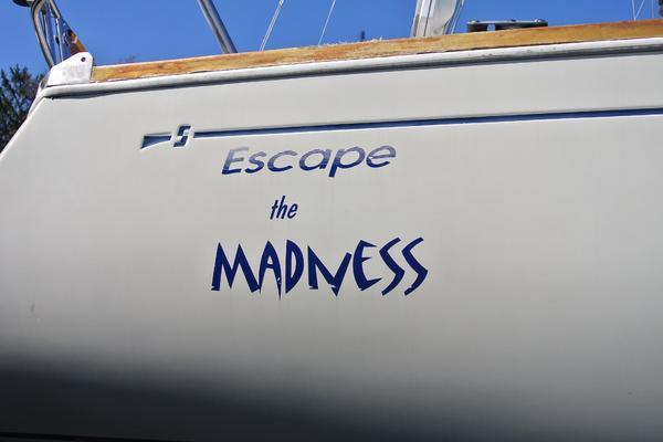 1989Sabre 34 ft 34 MKII   Escape the Madness