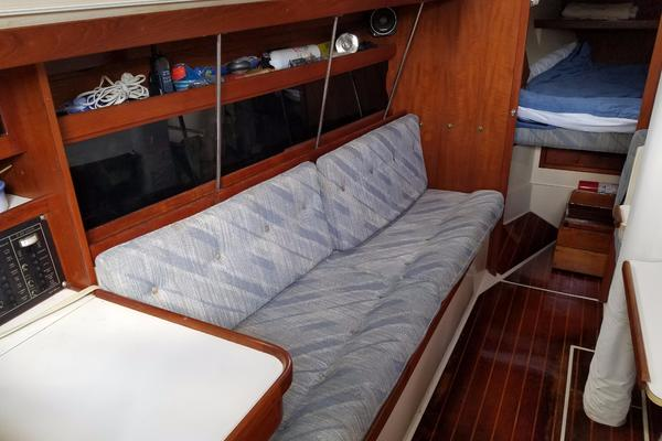1990Catalina 34 ft 34   Sheer Bliss
