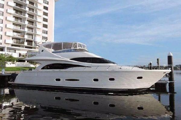 65' Marquis 65 2006 | FOXY LADY