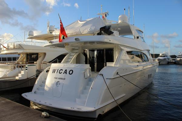photo of 80' Hatteras 80 Motor Yacht 2004
