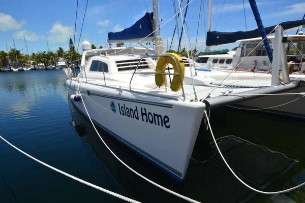 47' Leopard 47 2003 | Island Home