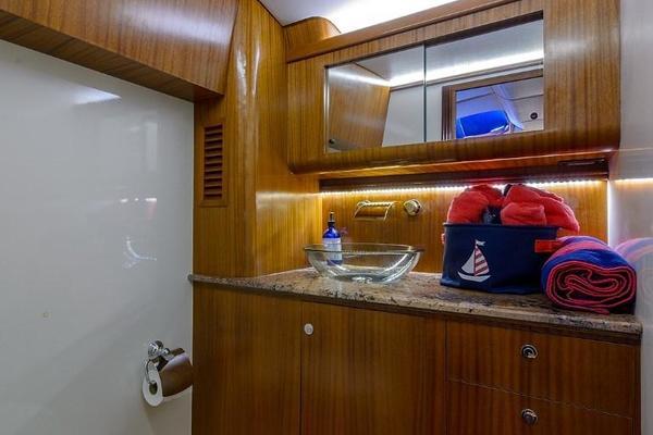 2015Maverick 48 ft Sportyacht   Trident