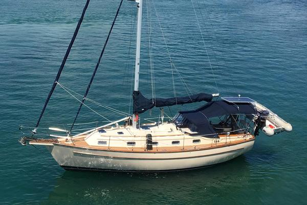38' Island Packet 37 1995 | Gypsea