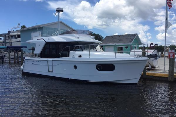 2019Beneteau 30 ft Swift Trawler 30