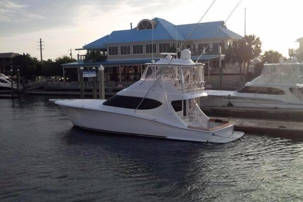Picture Of: 54' Hatteras 54 GT Convertible 2014 Yacht For Sale | 4 of 9