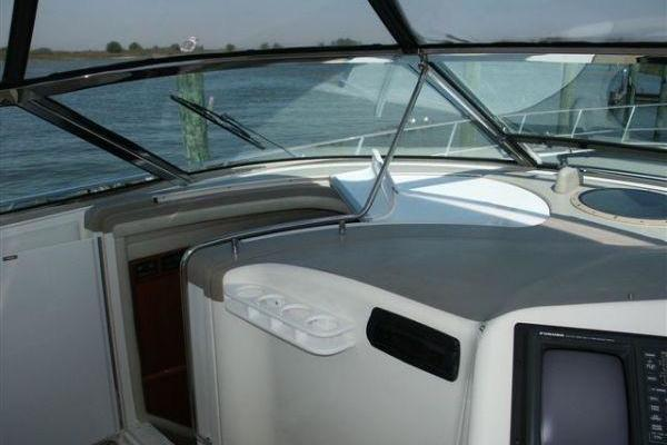 1997 Sea Ray 58' 580 Sundancer  | Picture 4 of 19