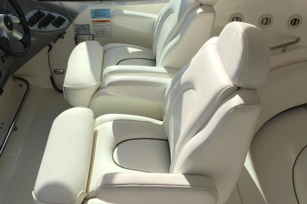 2005 Cruisers Yachts 50' 500 or 520 Express    Picture 8 of 95