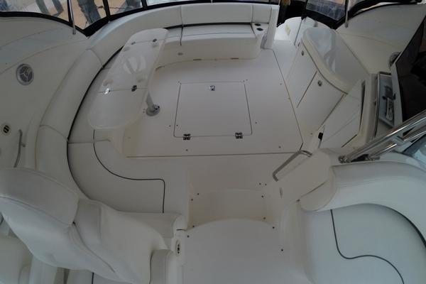 2005 Cruisers Yachts 50' 500 or 520 Express    Picture 7 of 95