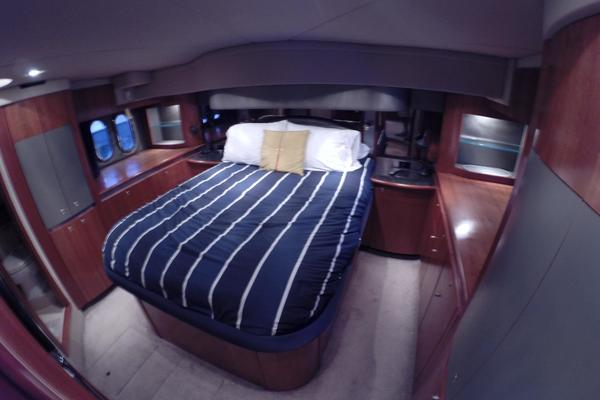 2005 Cruisers Yachts 50' 500 or 520 Express    Picture 5 of 95