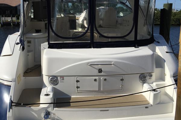 2005 Cruisers Yachts 50' 500 or 520 Express    Picture 6 of 95