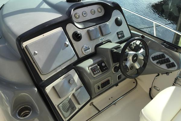 2005 Cruisers Yachts 50' 500 or 520 Express    Picture 1 of 95