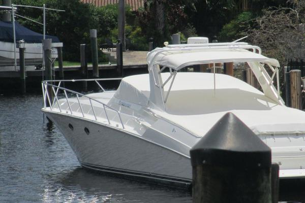 Fountain 48 Express Cruiser