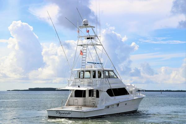 Picture Of: 70' Hatteras 70 Convertible 2000 Yacht For Sale | 4 of 57