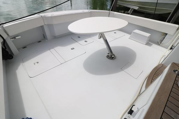 2000 Hatteras 70' 70 Convertible    Picture 5 of 57