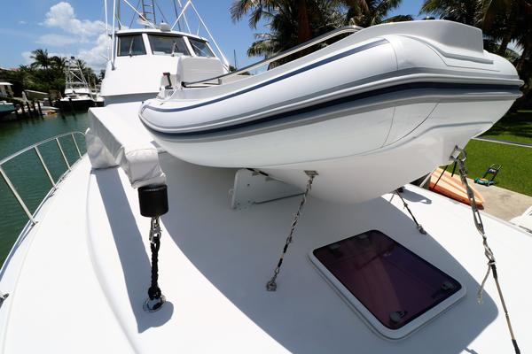 2000 Hatteras 70' 70 Convertible    Picture 8 of 57