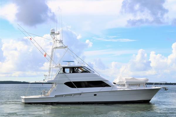 Picture Of: 70' Hatteras 70 Convertible 2000 Yacht For Sale | 3 of 57