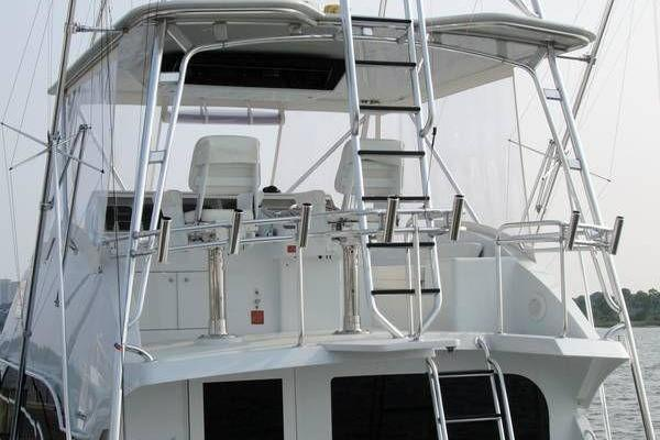2000 Hatteras 50' Convertible Everything's Rosie | Picture 5 of 14