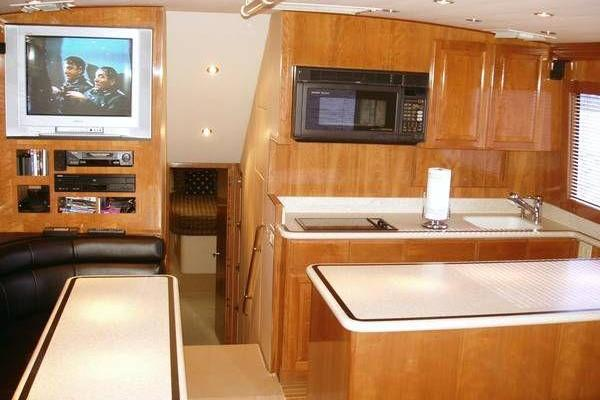 2000 Hatteras 50' Convertible Everything's Rosie | Picture 1 of 14
