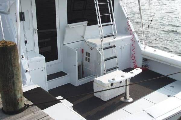 2000 Hatteras 50' Convertible Everything's Rosie | Picture 6 of 14