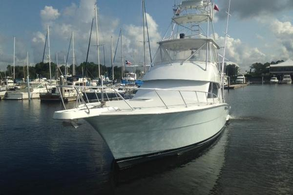 2000 Hatteras 50' Convertible Everything's Rosie | Picture 4 of 14
