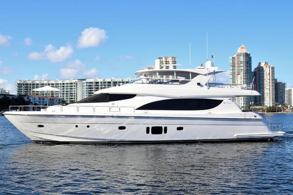 2015 Hatteras 80' 80 Motor Yacht Daddy | Picture 2 of 112