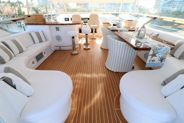 2015 Hatteras 80' 80 Motor Yacht Daddy | Picture 1 of 112