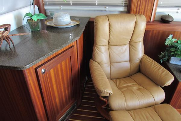 2015 American Tug 48' 485 BROWN EYES | Picture 6 of 91