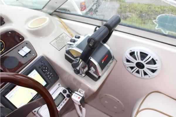 2002Rinker 31 ft Fiesta Vee 310   Part Time Fisher