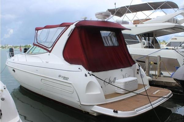 1997Cruisers Yachts 37 ft 3570 Esprit
