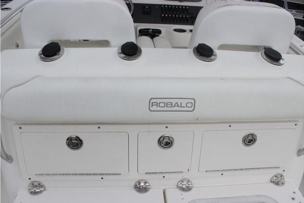 2009Robalo 30 ft r 300