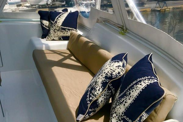 2006 Hatteras 50' 50 Convertible  | Picture 1 of 43