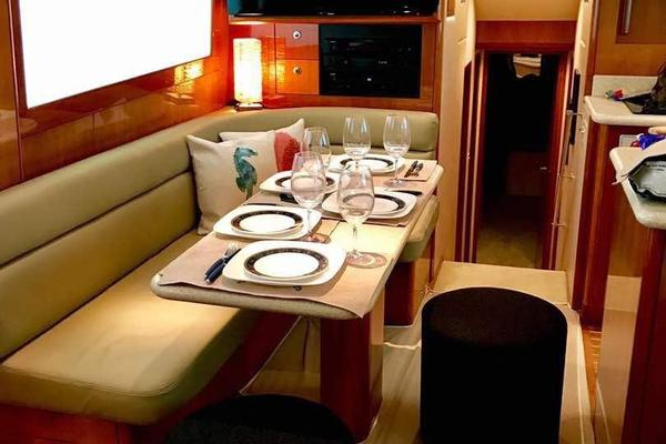 2006 Hatteras 50' 50 Convertible  | Picture 7 of 43